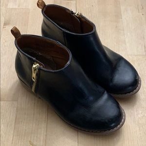 Gap Girls boots with gold zipper size 11